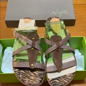 Naya sandals size 7.5 B7586L2200 zephyr coffee new